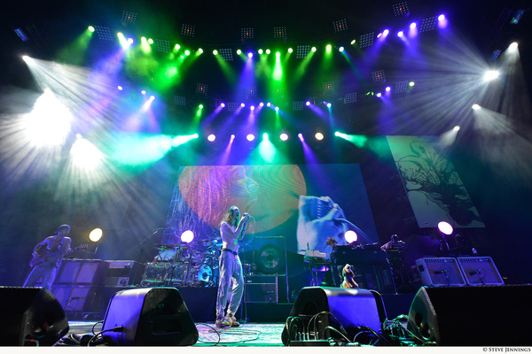 Jands Vista L5 Controls Lighting & Media for Incubus Tour